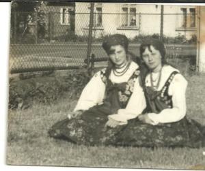 1969-zofia-dybiec-paczos-i-lucyna-magdziarczyk-adamczyk
